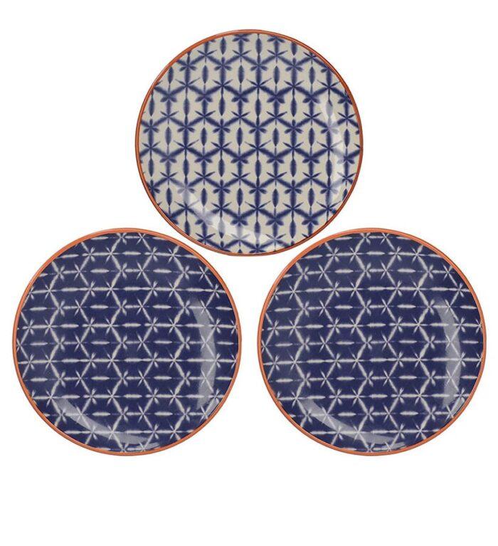 platos de canapés decorados a mano