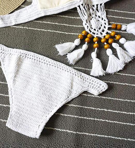 Bikini blanco de crochet hecho a mano