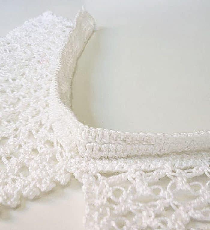 Cuello blanco de crochet hecho a mano, detalle interior