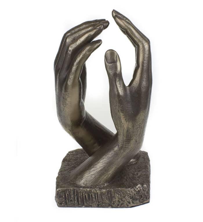 Escultura de manos de bronde fundido inspiración en la Catedral de Rodin