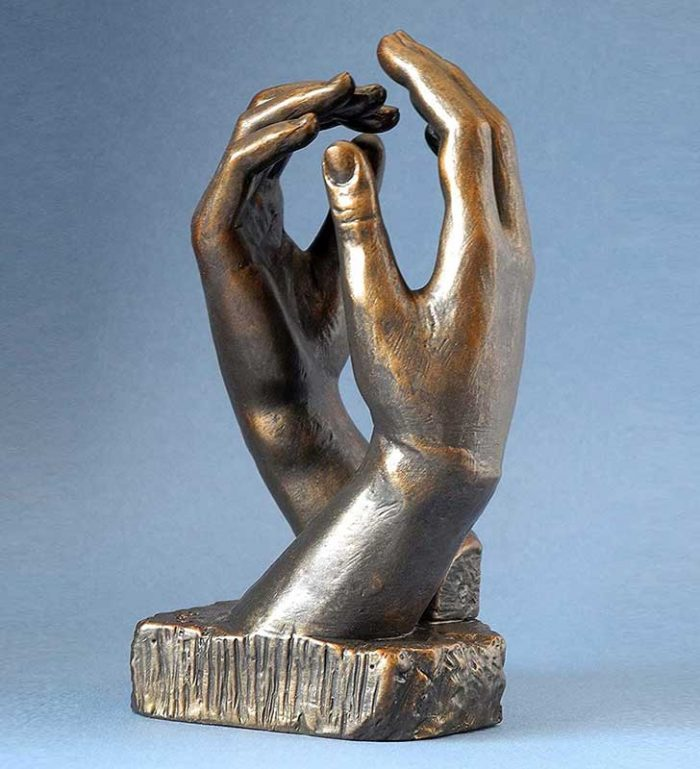 """""""La Catedral"""" reproducción de la escultura de Rodin"""